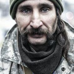People from Ukrainian protests Портрети Євромайдану: мітингувальники вражають холодною рішучістю та тривогою в очах #euromaidan