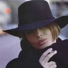 Isabella Rossellini, VOGUE Italia, February 1992 by Steven Meisel Isabella Rossellini, Charlotte Rampling, Twiggy, Alexa Chung, Turbans, Swedish Actresses, Hollywood Actresses, Bianca Jagger, Steven Meisel