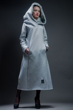 Hoodie Dress 'Foxy Lady'. Cotton Jersey with  faux fur. The Hood has never been so warm. Polish Rascal / Hultaj Polski sample sale on milieubazaar.com
