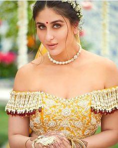Do you think Bebo is the most beautiful Bollywood Actress of our times - Yes/No? . . #veerediwedding #kareenakapoor #kareenakapoorkhan