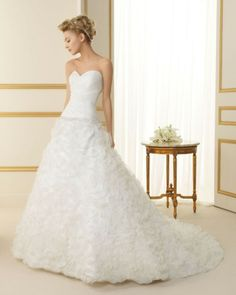171 TOPACIO / Wedding Dresses / 2013 Collection / Luna Novias