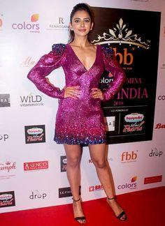 Indian Actress Hot Pics, Actress Pics, Beautiful Bollywood Actress, Beautiful Indian Actress, Hot Actresses, Indian Actresses, Illeana Dcruz Hot, Rakul Preet Singh Saree, Beauty Full Girl