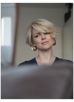 Short hairstyles - short bob - Short hairstyles for women. Model Ali Bailey with short bob hairstyle. Head to alibaileylondon on - Best Short Haircuts, Short Hairstyles For Women, Hairstyles With Bangs, School Hairstyles, Medium Hairstyles, Short Stacked Hairstyles, Easy Hairstyles, Summer Haircuts, Blonde Hairstyles