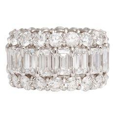 Idée et inspiration Bague Diamant :   Image   Description   Gorgeous Emerald Round Diamond Band