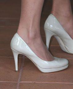 Kate Middleton's Singapore 2012 tour LK Bennett Sledge pumps - Mirror Online