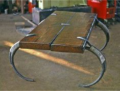 Dynamic turned metal working and wood working check this site out Iron Furniture, Steel Furniture, Industrial Furniture, Custom Furniture, Furniture Hardware, Industrial Metal, Cheap Furniture, Design Tisch, Blacksmith Projects