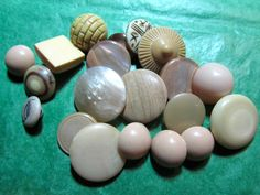 "20 -  3/4""+ BEIGE BROWN TONE PLASTIC SHANK CRAFT BUTTONS - ASSORTED Lot#K586"