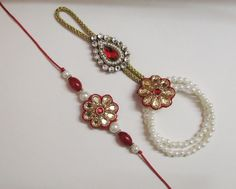 Pair rakhi with Hathphool instead of traditional lumba.