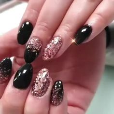 SNS Nails invented dipping powders to give women beautiful and healthy nails. Enjoy maximum beauty without harm to health. Holiday Nail Art, Winter Nail Art, Winter Nails, Summer Nails, Holiday Mood, Classy Nail Designs, Pink Nail Designs, Acrylic Nail Designs, Nails Design