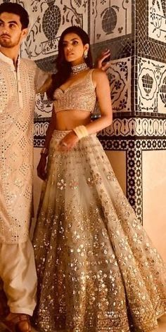 Indian Wedding Gowns, Indian Gowns Dresses, Indian Bridal Outfits, Indian Bridal Fashion, Indian Fashion Dresses, Dress Indian Style, Indian Designer Outfits, Bridal Dresses, Indian Wedding Bride