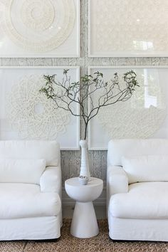 One of my favorite, favorite spacesin the 2016 Hampton Designer Showhouse was this living room, designed by Melanie Turner Interiors. It just hit all the right notes. A few things I loved: the boho, 70's vibe, the white and camelcolor scheme, the cooshy, overstuffed upholstery, the amazing mix of textures, ...