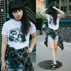 Band Merch, Band Tees, Levi Shorts, Birkenstock Arizona, Flannel, Urban Outfitters, Youth, Punk, Levis