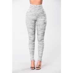 Jet Lag Leggings Grey ($20) ❤ liked on Polyvore featuring pants, leggings, bottoms, gray skinny pants, skinny leggings, ribbed knit leggings, grey pants and ribbed leggings