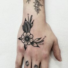above the knee tattoos women ; above knee tattoos women ; around the knee tattoos women ; knee tattoos for women Finger Tattoos, Leg Tattoos, Black Tattoos, Body Art Tattoos, Sleeve Tattoos, Cool Tattoos, Woman Tattoos, Arrow Tattoos, Tatoos
