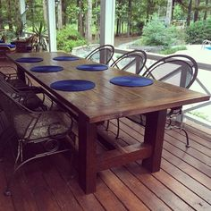 10 Foot Farm Table with Reclaimed Barn Wood - WoodWorking Plans Rustic Table, Diy Table, Farmhouse Table, Wood Table, Barn Table, Farmhouse Ideas, Outdoor Dining, Outdoor Tables, Patio Tables