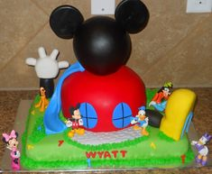 Pretty Image of Mickey Mouse Clubhouse Birthday Cake . Bolo Do Mickey Mouse, Mickey And Minnie Cake, Mickey Mouse Birthday Cake, Bolo Minnie, Mickey Mouse Clubhouse Birthday Party, Cupcake Birthday Cake, Mickey Mouse Parties, Happy Birthday Cakes, Mickey Mouse Cake Decorations