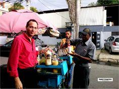 """DISTRITO NACIONAL... LA CAPITAL NO SOLO ES DESORDEN Y BULLA...!!! TAMBIÉN SE PUEDE DISFRUTAR DE LA NATURALEZA Y OTRAS COSAS... Aquí disfrutando de un frío frío de coco para """"la calor""""...!!! #distritonacional #santodomingo #republicadominicana #caribe #do #rd #maroteandord  Más en www.maroteandorepdom.blogspot.com"""