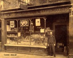 Thomas Gilbert Batting, chemist of 96 Calverley Road in 1893 from a Harold Camburn post card Tunbridge Wells, Special Interest, Chemist, Post Card, Vintage Stuff, Old Photos, Museum, Street, Old Pictures