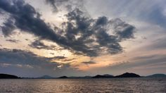 22 Sept. 17:53 夕焼け(sunset glow)が始まった博多湾の夕暮れです。 ( Evening Now at Hakata bay in Japan)