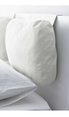 Adds comfort to your headboard with the SKOGN cushion. Great if you sit up and read or watch TV.