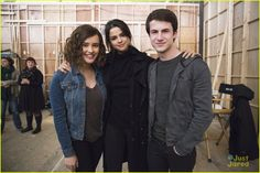 katherine langford dylan minnette big issues 13 reasons why 01