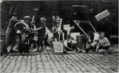 """""""'Children of the New York City Slums' by Jessie Tarbox Beals. Greenwich Village, Jessie, Josef Sudek, William Klein, Eugene Atget, Edward Steichen, Berenice Abbott, Gordon Parks, Edward Weston"""