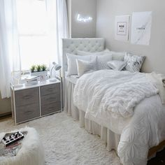 Home Decoration 2019 .Home Decoration 2019 Bedroom Decor For Small Rooms, Bedroom Decor For Teen Girls, Cute Bedroom Ideas, Room Ideas Bedroom, Teen Room Decor, Modern Bedroom, Diy Bedroom, Small Teen Bedrooms, Teen Bedroom Layout
