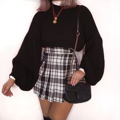 15 Aesthetic And Stylish Plaid Skirt Outfits You Must Wear Now - These 15 plaid skirt outfit ideas are perfect for summer, winter, a party and a night out. Cute Casual Outfits, Girly Outfits, Blue Outfits, Casual Attire, Women's Casual, Jean Outfits, Casual Dresses, Look Fashion, Fashion Outfits