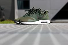 Nike Air Max 1 Tavas Carbon Green/ Black-White - 705149-301