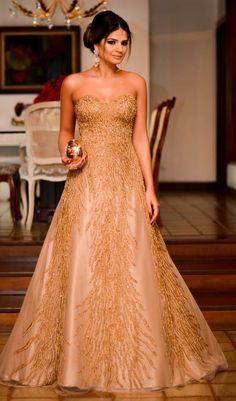 Thassia Naves in a beautiful gown! She looks like royalty!