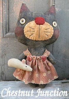 Primitive Pattern KiKi Kitty and her little mouse so sweet LOOK !