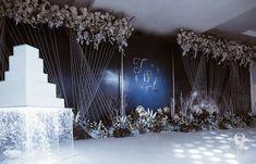 Wedding Stage Backdrop, Wedding Decorations, Decor Wedding, Wedding Ideas, Couture, Backdrops, Christmas Tree, Holiday Decor, Floral