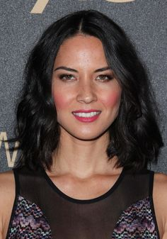 "The long bob or ""lob"" haircut seems to be having quite the moment in Hollywood. From actresses to model citizens, we've spotted the collarbone grazing hair Textured Lob, Oklahoma Usa, Best Bobs, Wavy Lob, Hot Haircuts, Olivia Munn, Retro Hairstyles, Long Bob, Professional Hairstyles"
