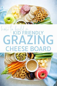 I could easily make and eat dinners like this every night of the year. Try this Kid Friendly Grazing Cheese Board that adults will love too! Kids Picnic Foods, Picnic Snacks, Picnic Ideas, Snack Platter, Party Food Platters, Charcuterie Recipes, Charcuterie And Cheese Board, Super Rapido, Toddler Snacks