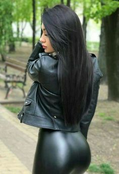 Shiny Leggings, Leggings Are Not Pants, Mode Latex, Sexy Jeans, Up Girl, Girls Jeans, Leather Fashion, Men Fashion, Fall Fashion