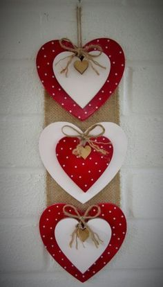 Valentine's day - Valentine crafts for kids - Diy Valentines Day Wreath, Valentine Crafts For Kids, Valentines Day Decorations, Holiday Crafts, Pinterest Valentines, Diy Valentine's Day Decorations, Saint Valentin Diy, Valentines Bricolage, Heart Crafts