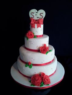Wedding Cake White And Red With Roses
