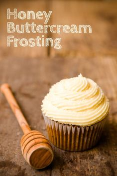 The Secret to Perfect Honey Buttercream Frosting! Best for desserts like cupcakes, layer cakes and peaches! You'll need this for baking! Cupcake Frosting, Buttercream Frosting, Cupcake Cakes, Vanilla Frosting, Frosting Without Powdered Sugar, Homemade Cake Frosting, Healthy Frosting, French Buttercream, Cookie Dough Frosting