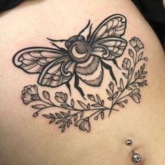 Hand Tattoos, Torso Tattoos, Large Tattoos, Body Art Tattoos, New Tattoos, Sleeve Tattoos, Cool Tattoos, Tatoos, Bumble Bee Tattoo