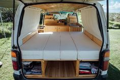 Camper Umbau lif life diy how to build life diy ideas life diy interiors life diy projects Campervan Bed, Campervan Interior, T4 Camper Interior Ideas, Van Conversion Interior, Camper Van Conversion Diy, Diy Camper, Camper Life, Camper Hacks, Hiace Camper