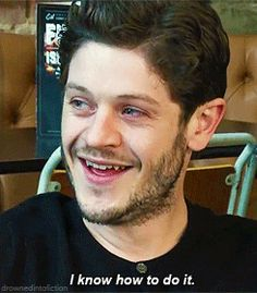 Hilarious gif of Iwan Rheon mocking Jon Snow.
