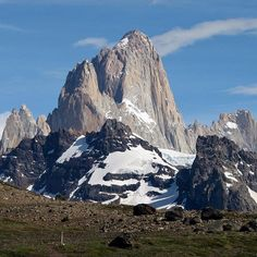 The Fitz Roy (Argentina): This half-day hike skirted the eastern face of Loma del Pliegue Tumbado going towards Rio Tunel, then cuts west and north to a lookout high above Laguna Torre - where we hiked a couple days earlier - offering phenomenal views of Cerros Torre and #fitzroy. Apparently, this is the only hike allowing views of both peaks at once. #elchalten #patagonia #argentina #hiking