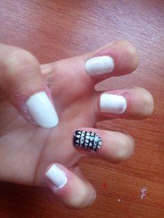 Ethnic nails! ❤💪💅👌