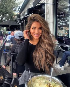 shades of brown hair color chart to suit any complexion 7 Blonde Hair With Highlights, Balayage Hair Blonde, Brown Blonde Hair, Balyage Long Hair, Light Brunette Hair, Golden Brown Hair, Medium Blonde, Brunette Color, Color Highlights