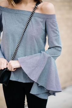 The Ultimate Bell Sleeve (See Jane Wear) Bell Sleeves, Bell Sleeve Top, Ruffle Shirt, Parisian Chic, Fashion Editor, Fashion Photography, Womens Fashion, Fashion 2016, Street Style