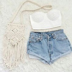 Image via We Heart It https://weheartit.com/entry/138534553 #bag #basic #branco #charme #clothes #clothing #cool #cute #fashion #fave #fofo #moda #mode #my #perfect #shorts #top #white