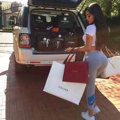 Luxury Lifestyle in Florida Boujee Lifestyle, Luxury Lifestyle Women, Wealthy Lifestyle, Chanel, Celine, Birthday Goals, Billionaire Lifestyle, Shop Till You Drop, Luxe Life