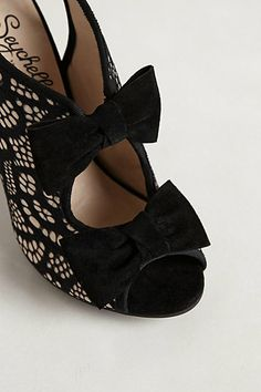 Bows & Lace  http://rstyle.me/~Tbrr