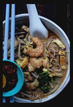 There's laksa assam and curry laksa, Johor laksa and laksa utara. And Sarawak laksa, which. Curry Laksa, Kuching, Asian Recipes, Ethnic Recipes, Rice Wine, Indonesian Food, Noodle Recipes, Nom Nom, Vegetarian