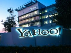 Pressionado, Yahoo reduz valor da venda para Verizon em US$ 350 mi confira mais em http://www.publicidadecampinas.com.br/pressionado-yahoo-reduz-valor-da-venda-para-verizon-em-us-350-mi/.      O Yahoo concordou em reduzir em US$ 350 milhões o valor original de US$ 4,8 bilhões da venda dos ativos de internet à Verizon Communications. A operadora norte-americana havia solicitado a revisão do acordo de compra para diminuir o impacto econômico do vazamento de 1 bilhão de c